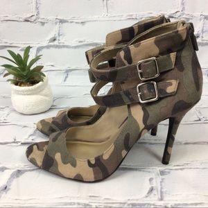 NWOB Christian Siriano Camo Print Heels, Size 9.5